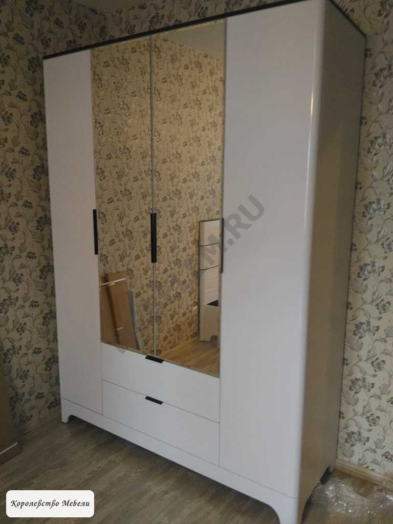 Танго 2. Шкаф для одежды 4-х дв.с ящиками, с зеркалом