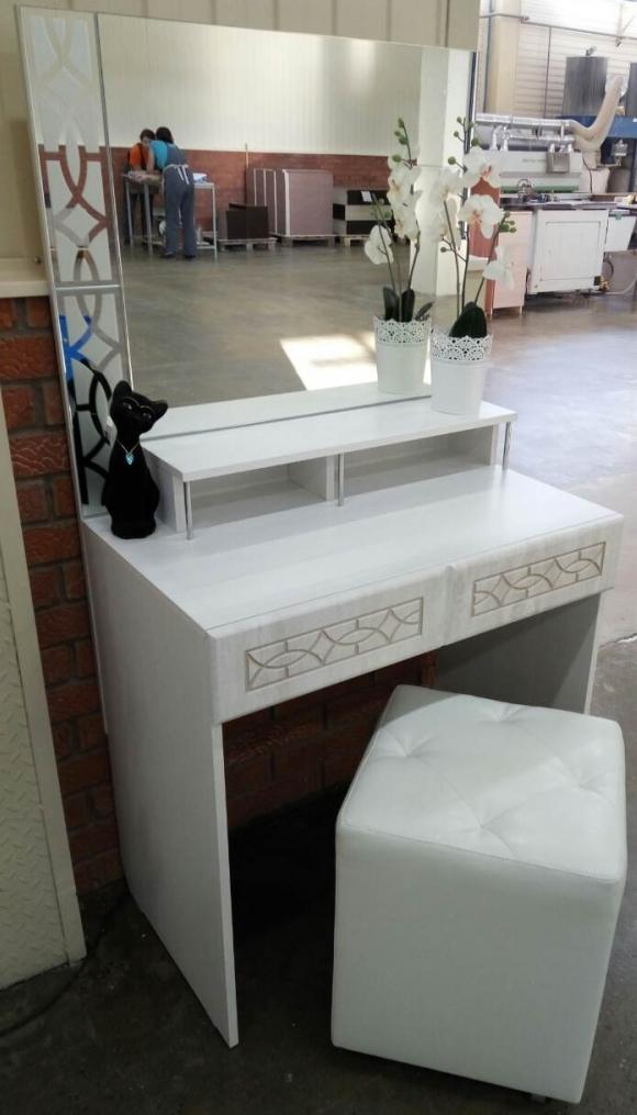 Стол туалетный Белла 6 (рамух белый)