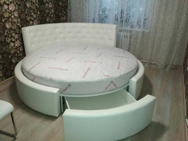 Круглая кровать Сильва (с выкатным ящиком ).